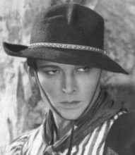 Rodolfo Valentino sex simbol anno 1912