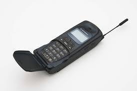 Gli anni novanta: il cellulare per tutti!