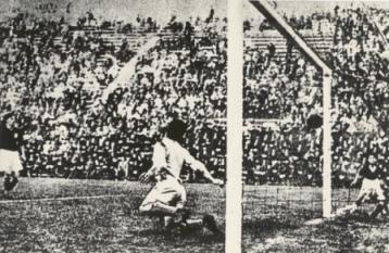 Angiolino Schiavio in goal