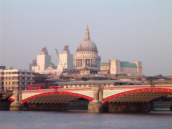 Ponte dei Fratti Cappuccini a Londra anno 1982